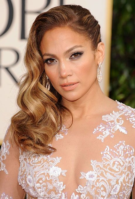 Glamorous Wavy Wedding Hair - Jennifer Lopez's Long Wavy Hairstyle .