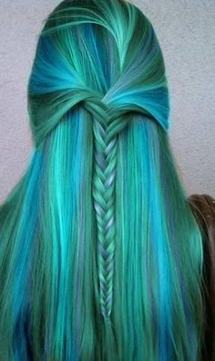 17 Great Blue Hairstyles (mit Bildern) | Frisuren, Haarfarben .
