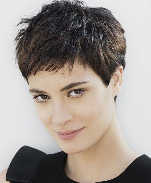 20 Great Short Hairstyles for Thick Hair | Capelli corti alla moda .