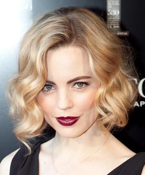 20 Best Short Wavy Haircuts for Women - PoPular Haircu