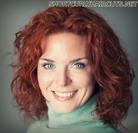 The Different Curly Hairstyles for Women over