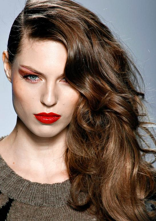 15 Stylish Hairstyles with Deep Side Part - Pretty Desig