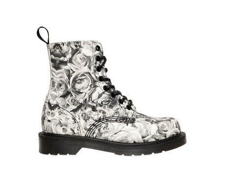 12 Hot Ticket Items You Must Have for This Season | Dr martens .