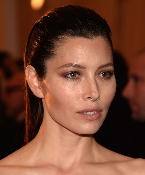 12 Fashion Girl-Approved Ways To Wear a Septum Ring | Jessica biel .