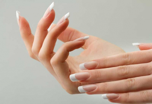 7 tips to strengthen your nails naturally - Evewom