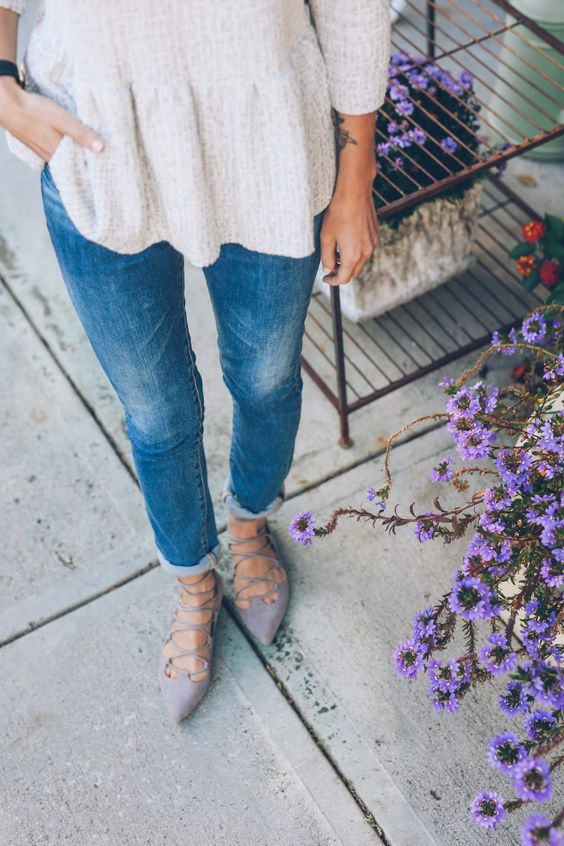 25 Spring Outfit Ideas with Fla