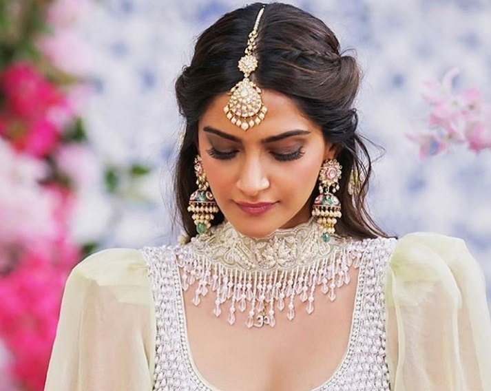 17 of the best Indian wedding hairstyles for your big d