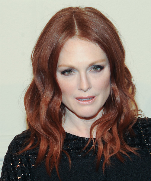 11 Julianne Moore Hairstyles, Hair Cuts and Colo