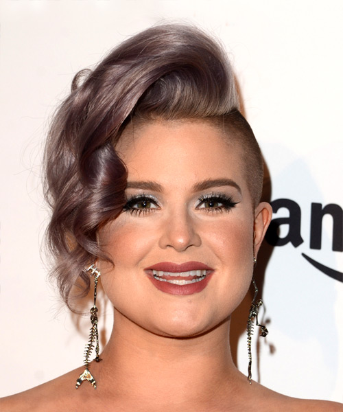 33 Kelly Osbourne Hairstyles, Hair Cuts and Colo