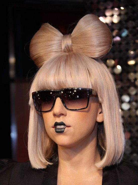 Lady Gaga hair bow | Lady gaga hair, Lady gaga fashion, Lady gaga .