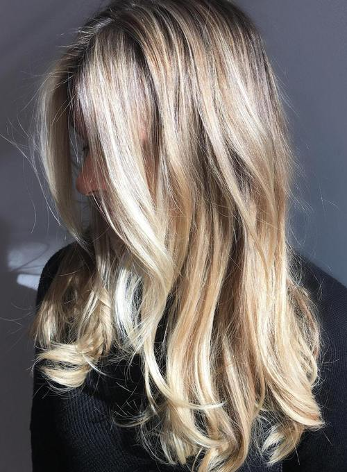 40 Cute Long Blonde Hairstyles for 20