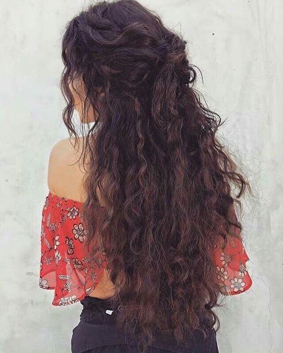 11 Cute Long Curly Hairstyles for Beautiful Women | Curly hair .