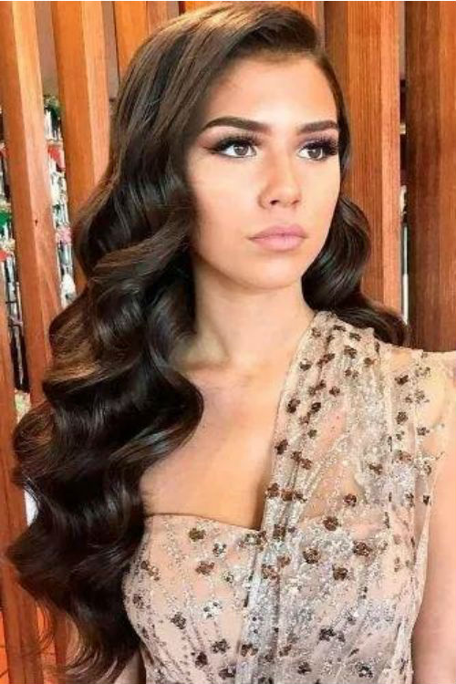 Extremely Popular Long Wavy Hairstyles 2020 for Prom and Evening .