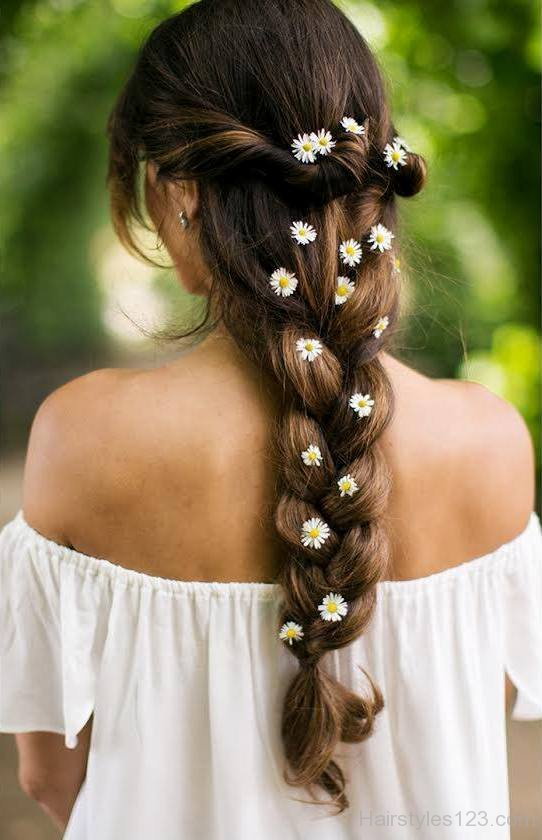 Loose Braid Hairsty