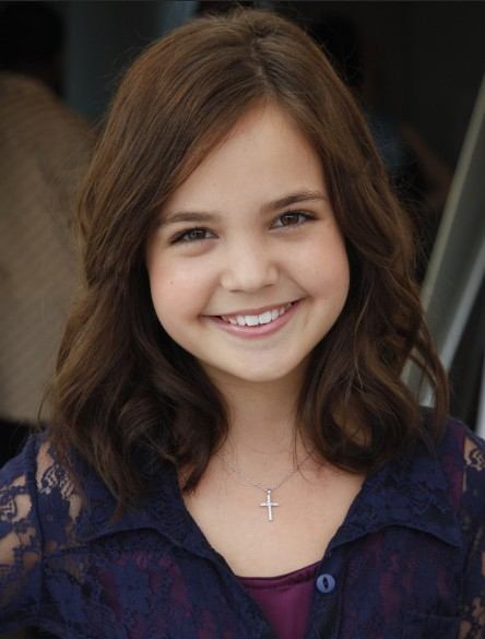 Bailee Madison, Soft Curls Hairstyle: Girls Haircuts - PoPular .