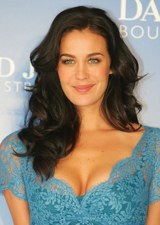 Megan Gale Hairstyles - Celebrity Latest Hairstyles 20