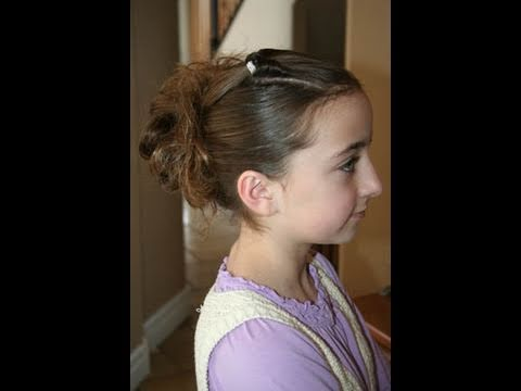 Corner Flip into Messy Bun | Cute Girls Hairstyles - YouTu