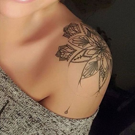 30 Classy First Tattoo Ideas for Women Over 40 | Cool shoulder .