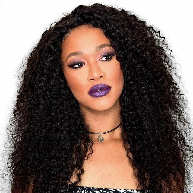 Medium length curly hairstyle you must have this season,the makeup .