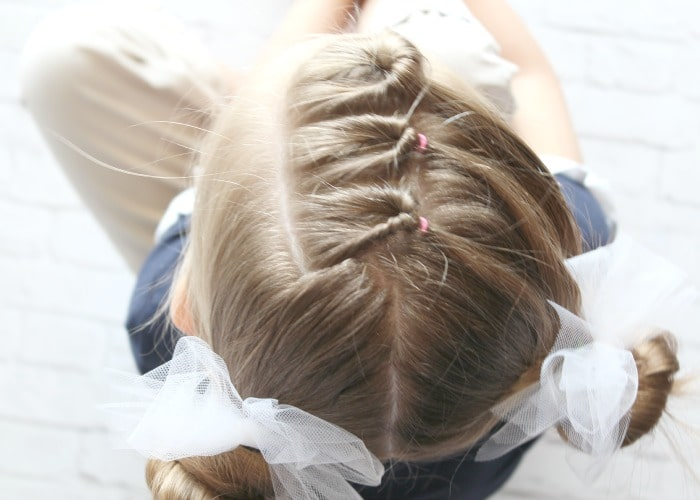 10 Easy Little Girls Hairstyles (Ideas You Can Do In 5 Minutes or .