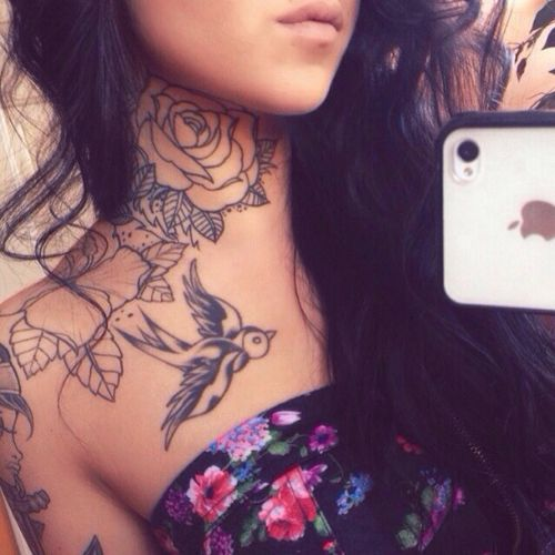Pretty Neck Tattoos for Women