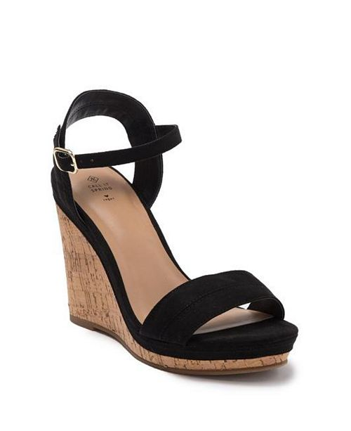 Pretty Wedge Sandals for Spring