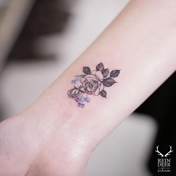 65 Adorable Wrist Tattoos All Women Should Consider - TattooBle