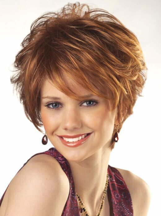25 Youthful Short hairstyles for Women Over 40 [2020 Update
