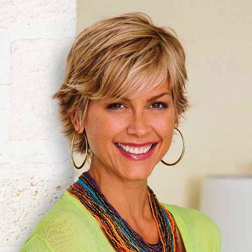 23 Classy Short Hairstyles for Women Over 50 to Look Elega