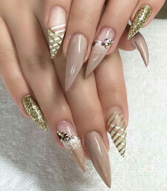 70+ Cool Stiletto Nail Ideas You'll Love to Try | Pointy nails .