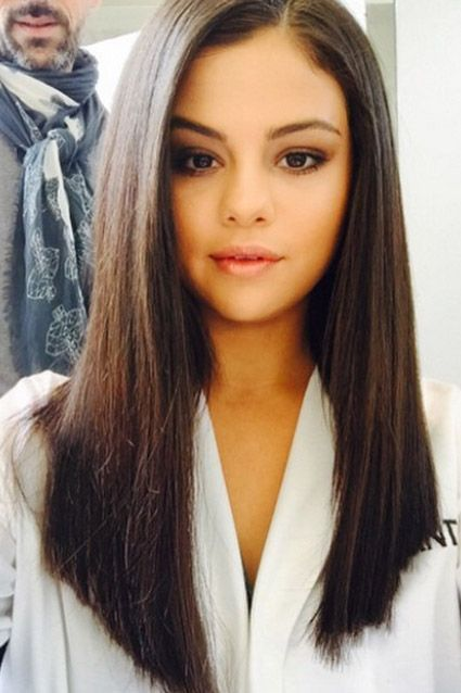 27 Most Glamorous Long Straight Hairstyles for Women | Selena .