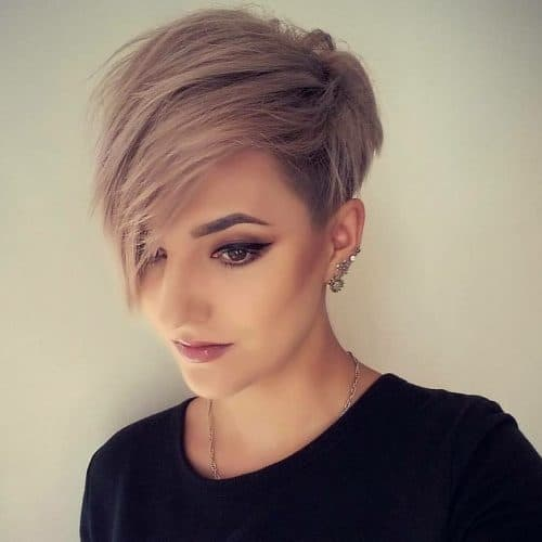 Straight Hairstyles for Short Hair