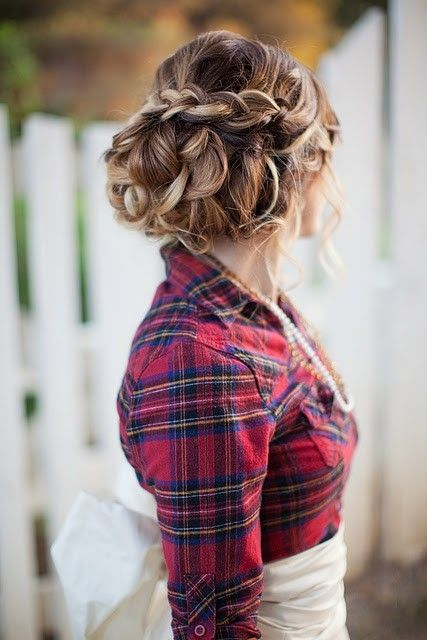 15 Stylish Buns for Your Long Hair | Long hair styles, Pretty .