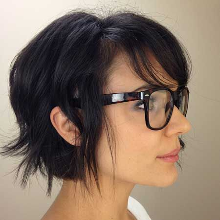 23 Stylish Hairstyles for Brunettes - Pretty Desig