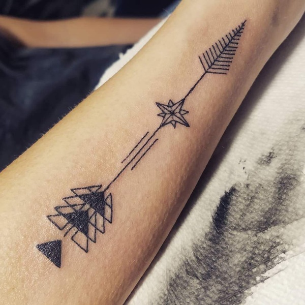 35+ Cool And Stylish Arrow Tattoos For Men In 20