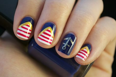 Summer Nail Designs to Have: Nautical Nails | Sommer nägel designs .