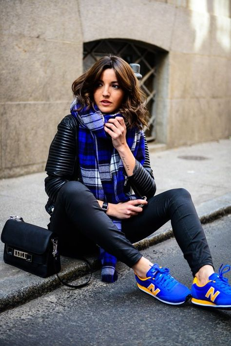20 Super Casual Styles with Sneakers | Lässige mode, Mode, Blaues .