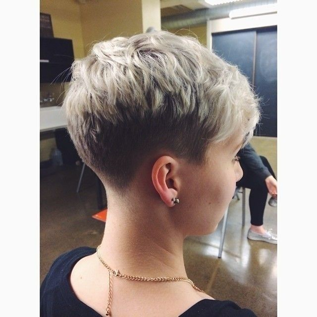 Super Easy Pixie Haircuts for Women