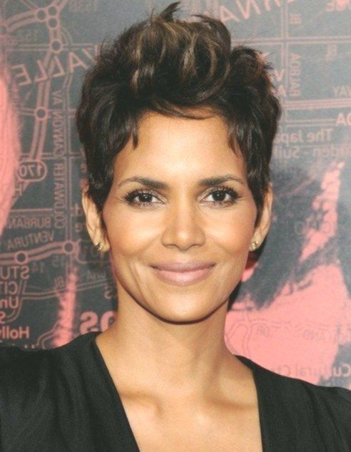 Top 100 Celebrity Hairstyles 2019 in 2020   Celebrity short hair .