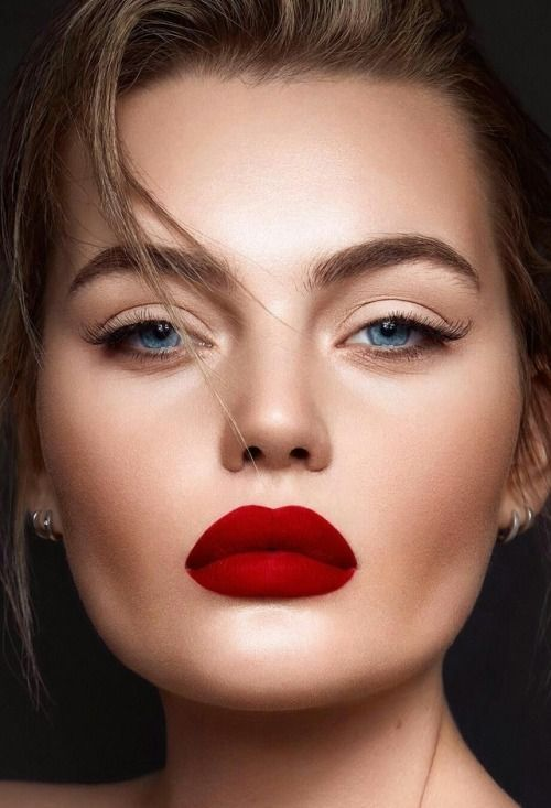 Top Magical Red Lipstick Makeup Looks