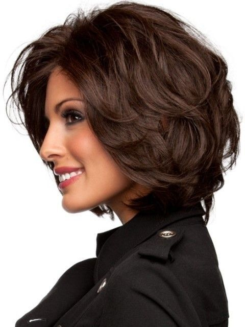 22 Ultra-Chic Hairstyles for Mid-length Hair | Halflange gelaagde .