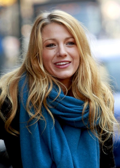 Long Wavy Hairstyles for Winter - Latest Popular Hairstyles .