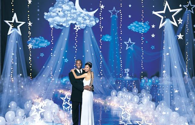 6 Fun Ways to Use Balloons as Prom Decor | Anderson's Bl