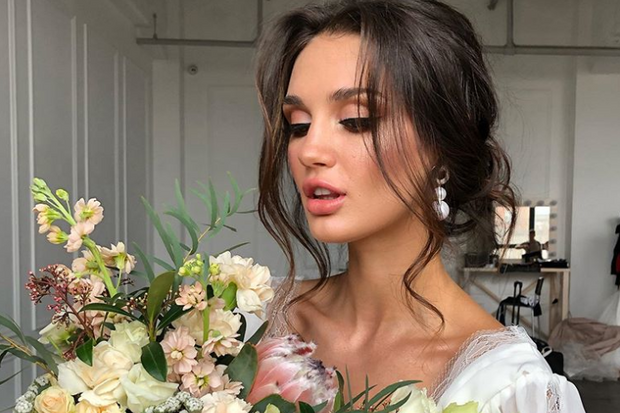 The Ultimate Guide to Wedding Hair: 52 Styles That Are Easy to .