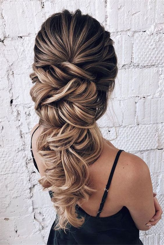 32 Trendy Long Hairstyles for Women in 2019 - HAIRSTYLE ZONE