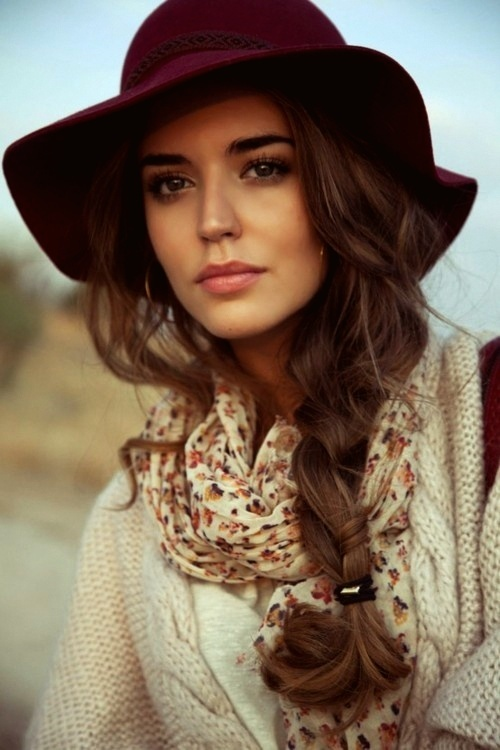 Hairstyles to Wear with Winter Hats - Women Hairstyl
