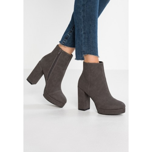 Women High heeled ankle boots grey Round Block heel platform toe .