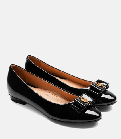Ladies' black ballerinas 43005-L0-00 from 2019/2020 collection .