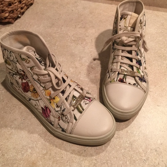 Gucci Shoes | Womens Sneakers Flower Bed | Poshma