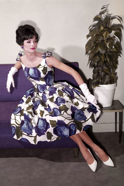 Best 1960s Fashion Trends and Outfits - 60s Fashion and Style .